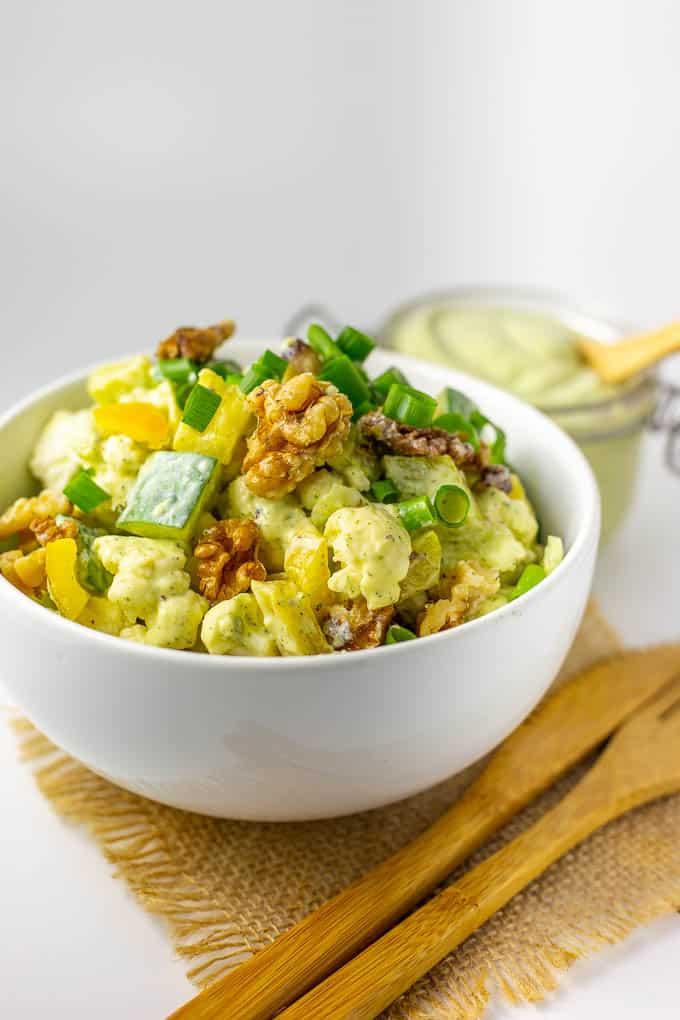 Low-Carb Raw Vegan Cauliflower Salad with Fresh Dill Dressing